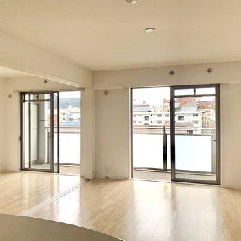 ホワイトなデザインなので家具選びの幅が広がります。