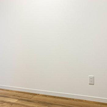 【サービスルーム】幅が210cmあります。ギリ、シングルベッドが置けそうです。