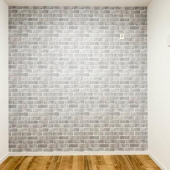 【サービスルーム】こちらがもう1つのお部屋。正方形の空間です。
