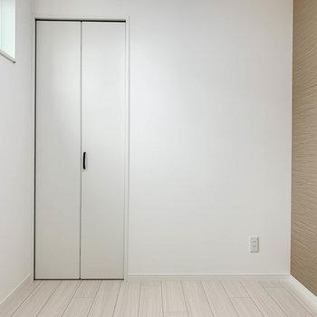 【サービスルーム】こちらがもう1つのお部屋。どんな空間として使おうかな。