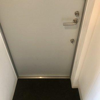 玄関の土間はコンパクト目