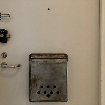 重厚感のある玄関。かっこいい!