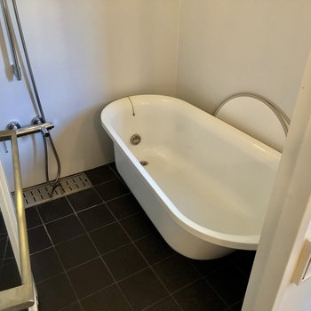 海外のお風呂のよう!ゆったりです。