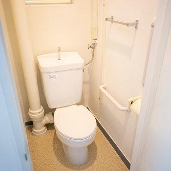 トイレはこちら。綺麗ですね。