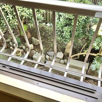 LDKの窓外には植物を置いてもいいなあ