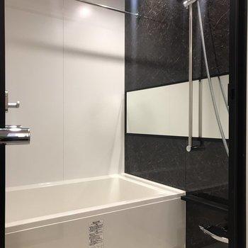 浴室乾燥機付きで雨の日は安心ですね