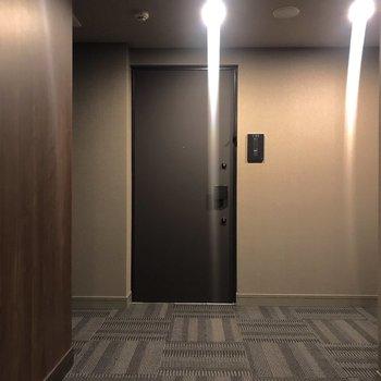 共用部はホテルのような落ち着きがあります