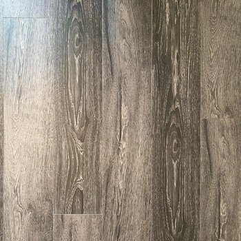 【DK】下を向けば木目が美しいフローリングがこんにちは。※写真は5階の同間取り別部屋のものです