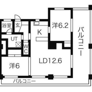 2LDKに大きなバルコニーの付いたお部屋。