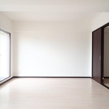 どんな色の家具も馴染みそう。