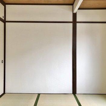 和室は寝室に。