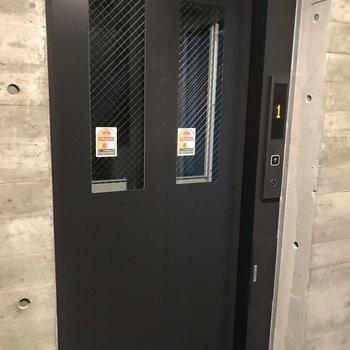エレベーターで引っ越しも楽ちん