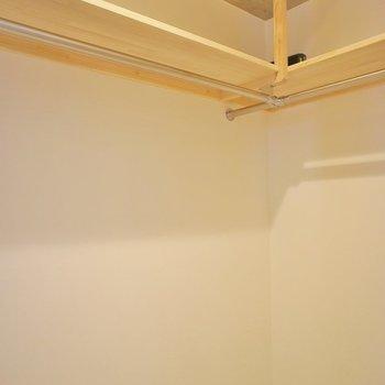 いっぱいしまえるウォークインクローゼット※写真は同タイプの別室