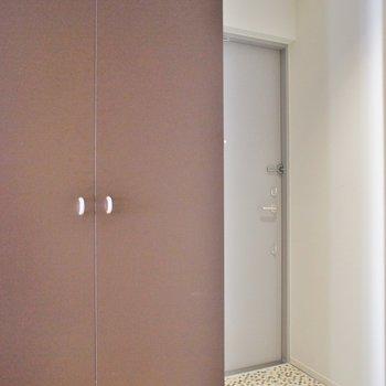 玄関も意外に広々※写真は同タイプの別室