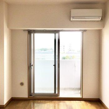 南向きで日当たりも良好◎※写真は8階の同間取り別部屋のものです