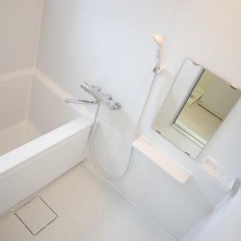 新品の浴室ですよ〜