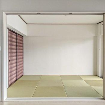 リビング隣の和室は引き戸で仕切られます。