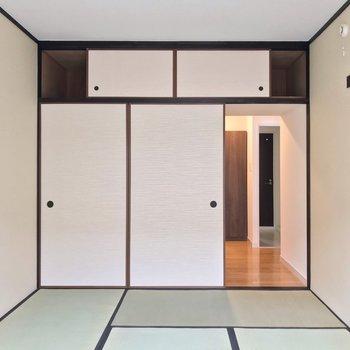 廊下挟んで向かいには脱衣所。