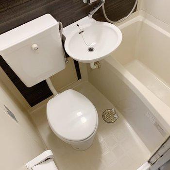 トイレも新しくなりましたよ〜!