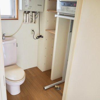 洗面台はありません※写真は3階の反転間取り別部屋のものです