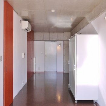 細ながーい形をしたお部屋。※写真は308号室のもの