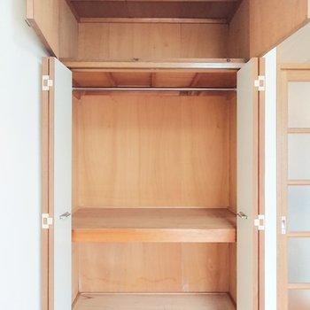 しっかり収納できそうなクローゼットです。※写真は2階の反転間取り別部屋のものです