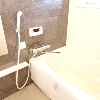 お風呂も新品。お部屋では心を、お風呂では身体を休められます。