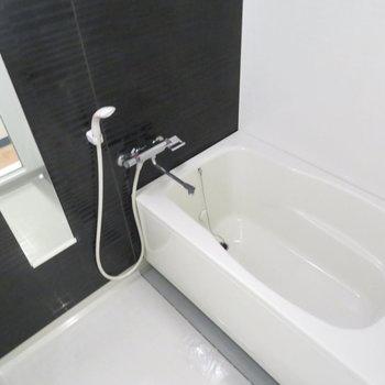 お風呂も清潔感があります
