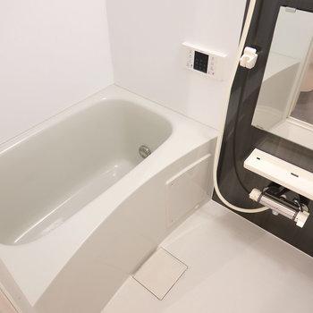 お風呂がモノトーンでカワイイんだよなぁ。