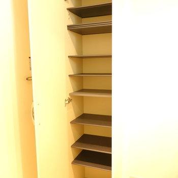 靴箱は棚の高さが変えられます。