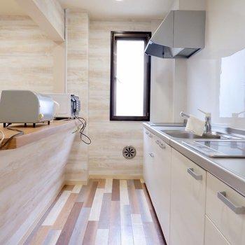 こちらは入居者様用の共用キッチンです。