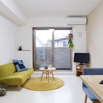 ソファの代わりにはベッドも置くこと出来ますね※家具はサンプルです