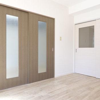 こちらのお部屋も同様、リビングと洋室と繋がっています。