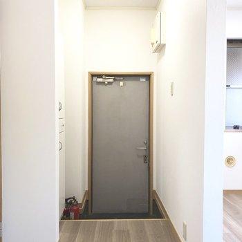 玄関は段差が大きめです。※写真は前回募集時のものです