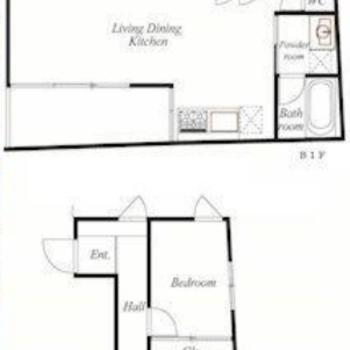 1階と地下1階、メゾネットタイプのお部屋です。