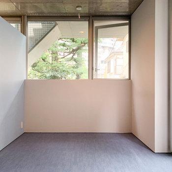 【1階】このお部屋が寝室的な用途かな。※写真は前回募集時のものです