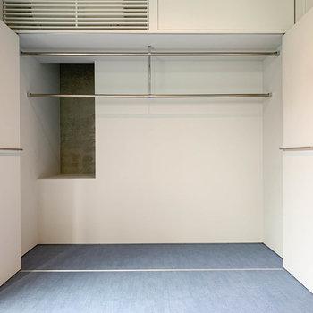 【1階】扉4枚分、広いクローゼットです。※写真は前回募集時のものです