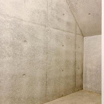 【地下1階】階段下を利用した収納です。※写真は前回募集時のものです