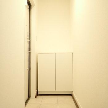 玄関は広いです。