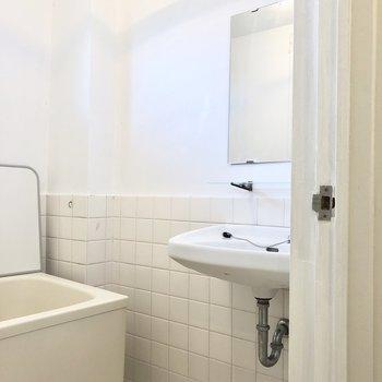 洗面台との2点ユニットです。※写真は前回募集時のものです