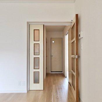 廊下側にも洋室が1部屋あります。