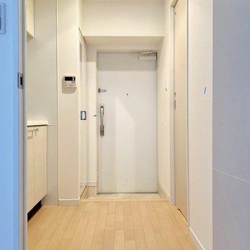 玄関扉はダブルロック。念には念を。