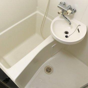 2点ユニットだけど、サーモ水栓で使いやすい◎
