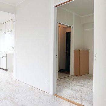 リビング・洋室・玄関がこのようにコネクトしております。
