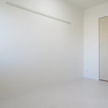 4帖あるのでベッドを置くスペースに※写真は同間取り別部屋のものです。