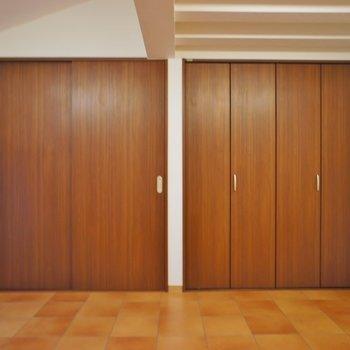 洋室の収納は大容量