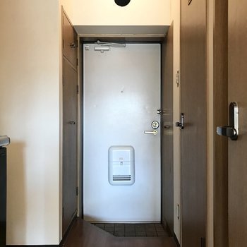 最後に玄関です