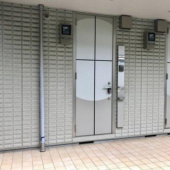 玄関ドア、かわいいデザイン