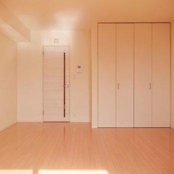 なかなかの広さがあり、ゆとりをもって家具を配置できます。