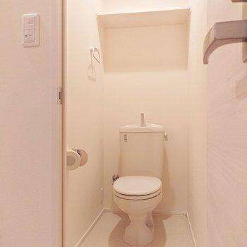 トイレの上に棚があるのは◎